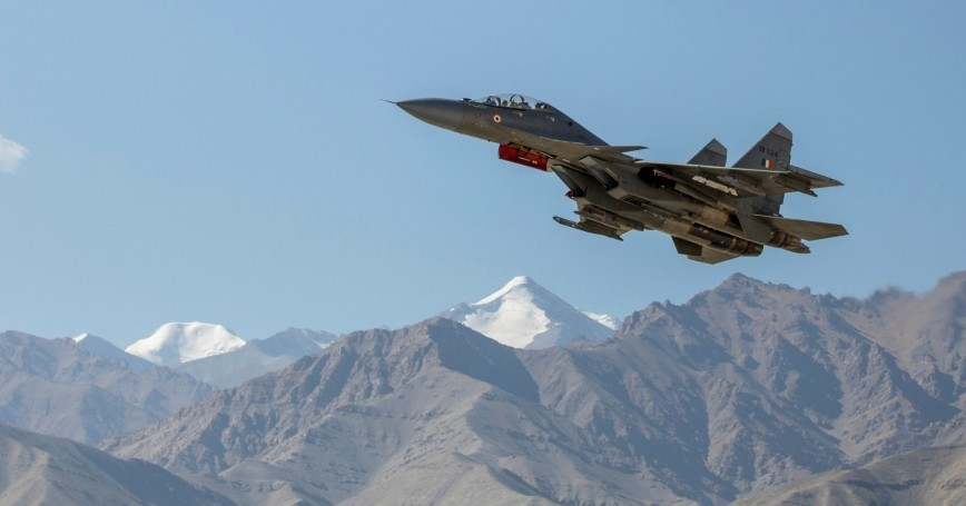 An Indian fighter plane flies over a mountain range in Leh, in the Ladakh region, India, September 15, 2020, photo by Danish Siddiqui/Reuters