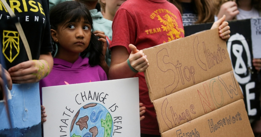 Environmental advocates join Washington D.C.–area students at a rally on the Ellipse near the White House in Washington, D.C., September 13, 2019, photo by Leah Millis/Reuters