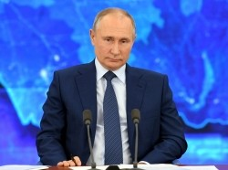 Russian President Vladimir Putin attends his annual end-of-year news conference, held online in a video conference mode, at the Novo-Ogaryovo state residence outside Moscow, Russia December 17, 2020, photo by Sputnik/Alexei Nikolsky/Kremlin via Reuters