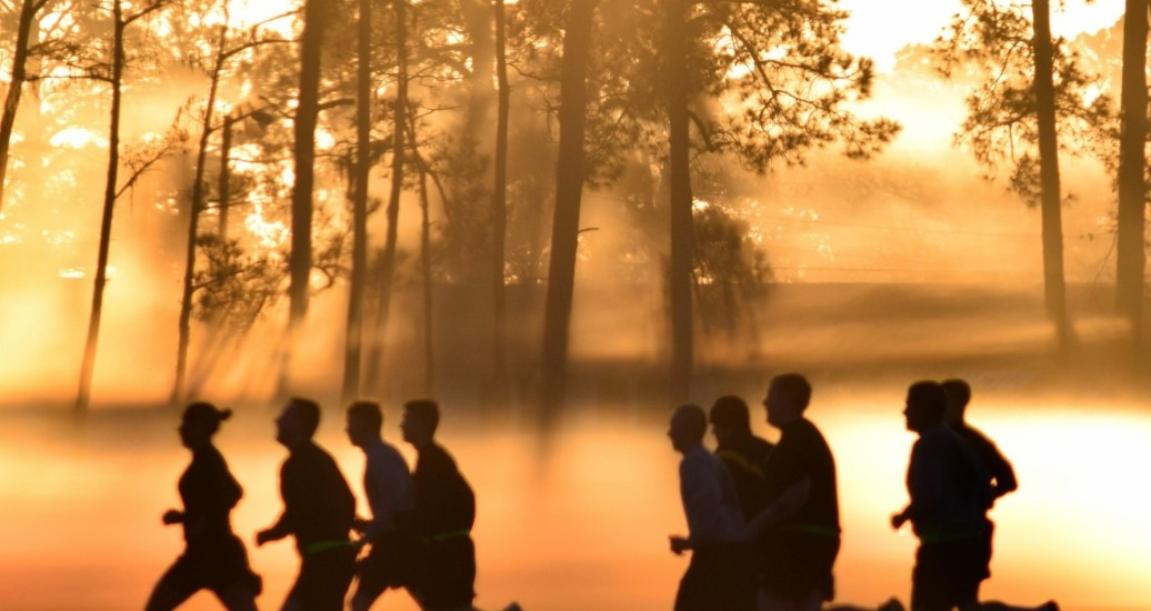 Georgia Army National Guard Soldiers conduct a sunrise run during annual training at Fort Stewart, Georgia, January 11, 2017, photo by Capt. William Carraway/U.S. Army