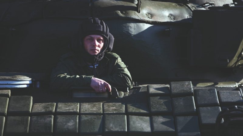 Russian soldier in a tank at the Ostryakovo railway station