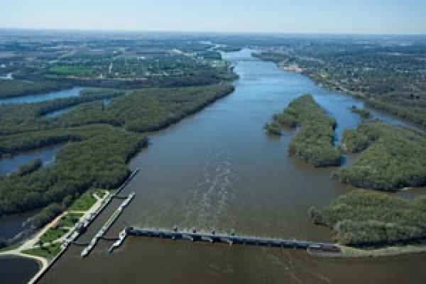 Mississippi River dam