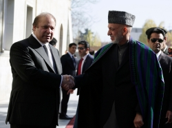 Afghanistan's President Hamid Karzai and Pakistan's Prime Minister Nawaz Sharif meet in Kabul November 30, 2013