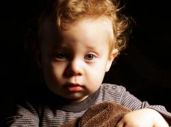 toddler awake in the dark