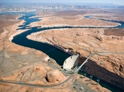 An aerial view of the Glen Canyon Dam in Arizona. Photo by Jupiterimages / Getty Imges