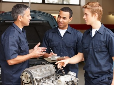 mechanic training apprentices