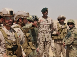 U.S. and United Arab Emirates forces training together during an exercise in Kuwait, September 28, 2016