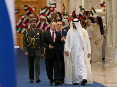 Russian President Vladimir Putin and Crown Prince Mohammed bin Zayed al-Nahyan attend the official welcome ceremony in Abu Dhabi, United Arab Emirates, October 15, 2019, photo by Alexander Zemlianichenko/Pool/Reuters
