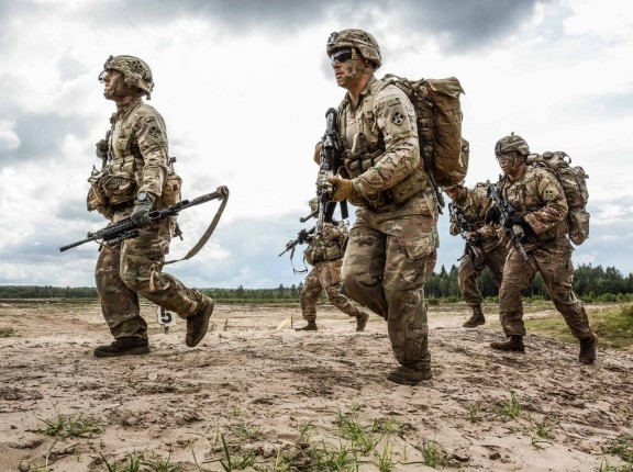 Riflemen compete in the Lithuanian Best Infantry Squad Competition at Rukla Training Area, Lithuania, August 24, 2017, photo by Lithuanian Land Forces