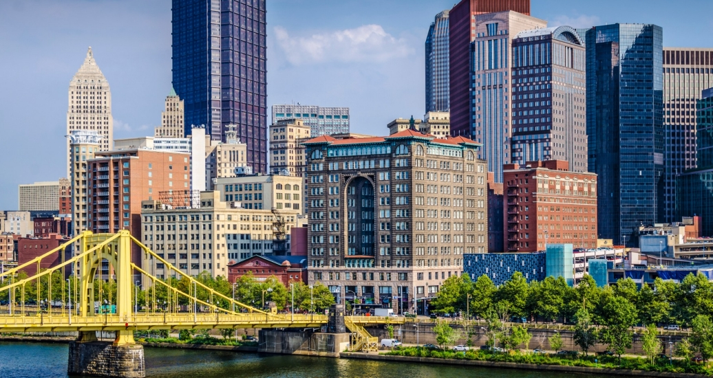 A view of  downtown Pittsburgh, the Sixth Street Bridge, and the Allegheny River