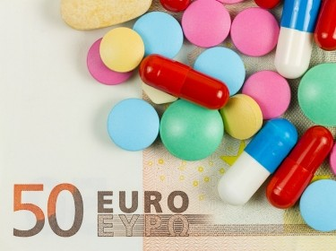 pills and 50 euro note