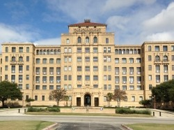 Old Brooke Army Medical Center (BAMC) Fort Sam Houston, photo by Beth E. Lachman