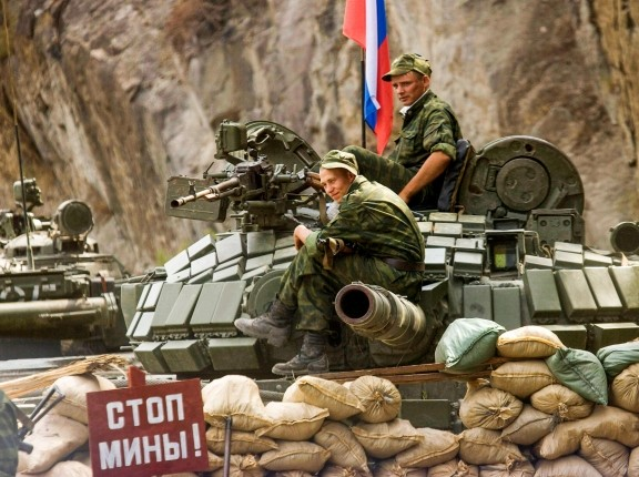 Russian soldiers man a checkpoint near the Georgian village of Kekhvi in breakaway South Ossetia, August 21, 2008, photo by Vasily Fedosenko/Reuters
