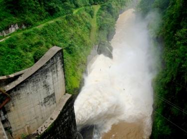 The hydroelectric dam Cachi in Ujarras de Cartago, 60 miles of San Jose, Costa Rica, May 25, 2007, photo by Juan Carlos Ulate/Reuters