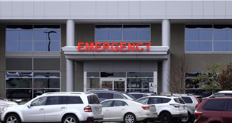 The emergency room entrance at Essentia Health, a 133-bed hospital in Fargo, North Dakota, October 25, 2020, photo by Bing Guan/Reuters