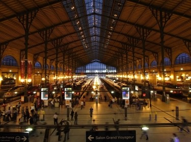 Gare du Nord night Paris