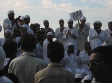 Muslims protest terror attack on Mumbai