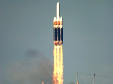 Launch vehicle lift-off for evolved expendable launch vehicle program