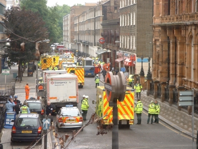 Ambulances at Russell Square, London after the 2005-07-07 bombings