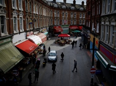 A view of markets in Brixton as the spread of COVID-19 continues, London, March 31, 2020, photo by Henry Nicholls/Reuters